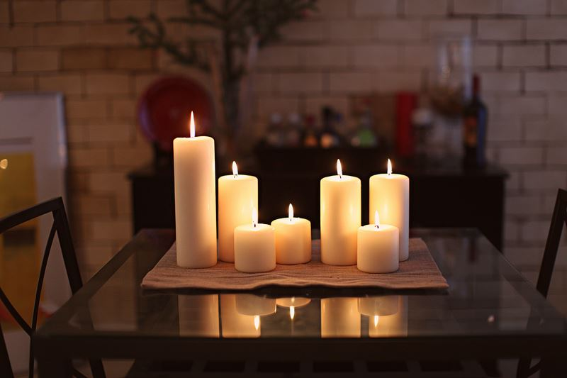 Candles-and-Interiors